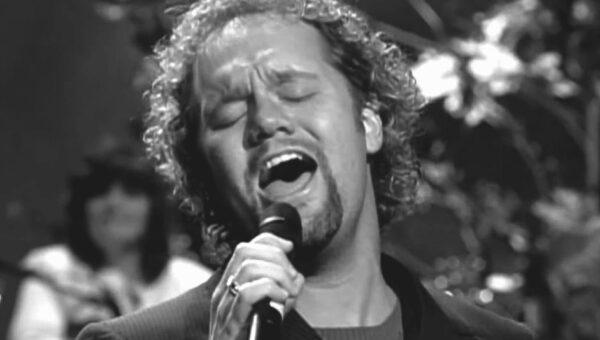 Vår favoritsångare David Phelps sjunger om att Jesus är hans allt