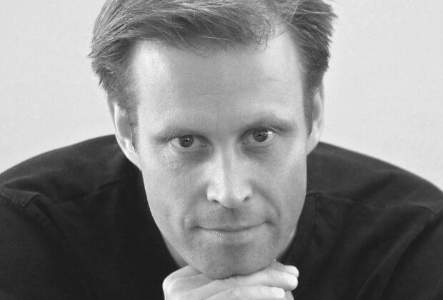 """Mikael Järlestrand sjunger """"Om det inte är sant"""""""